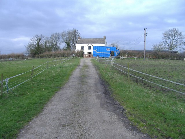 Farm, near Upper Wick