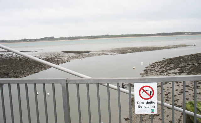 Diving not recommended - the Seiont estuary at low tide