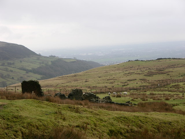 Ruined farm Lark Hill