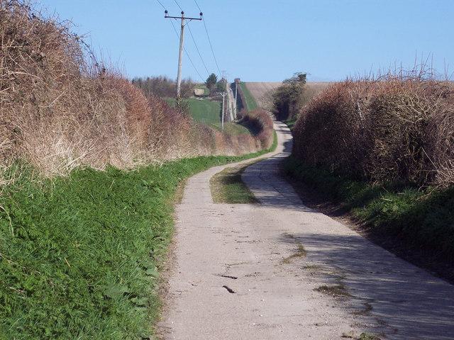 Farm road to Flamstone Farm