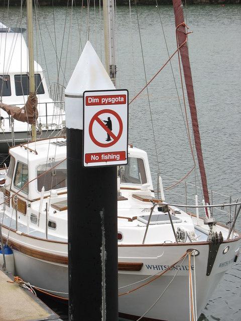 Dim pysgota/No fishing