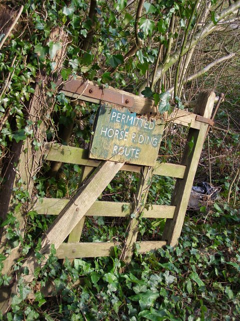 Old gate at the end of Place Lane, Compton