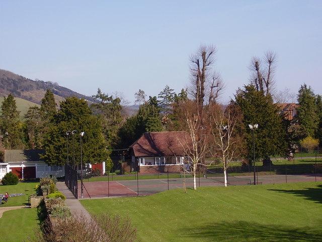Dorking - Pippbrook Grounds