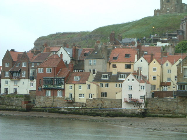 Whitby Old Town Jill Everington Cc By Sa 2 0 Geograph