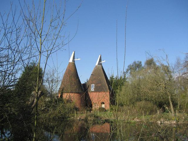 Standen Oast, Smarden Road, Biddenden, Kent