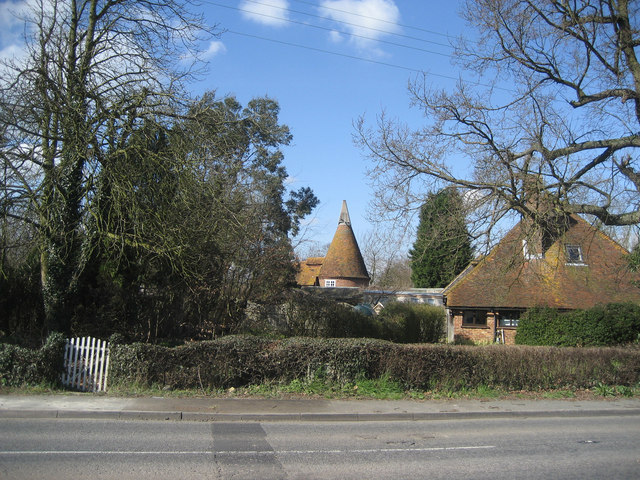 Old Curteis Oast, Headcorn Road, Biddenden, Kent