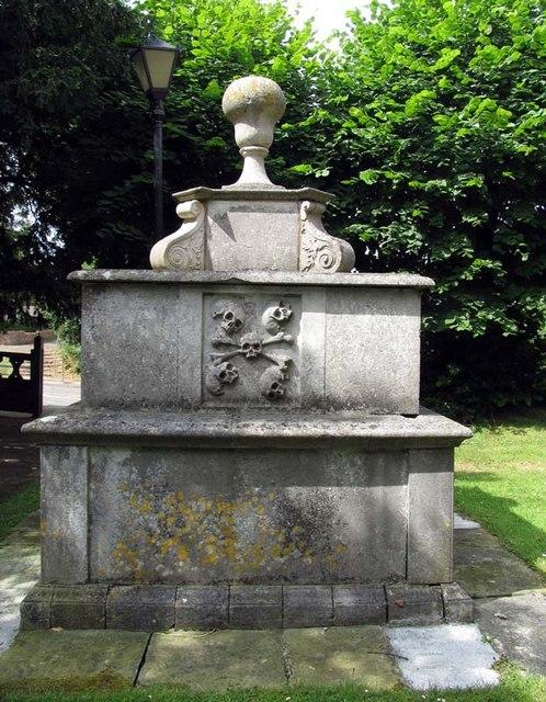 St Giles, South Mimms, Herts - Churchyard
