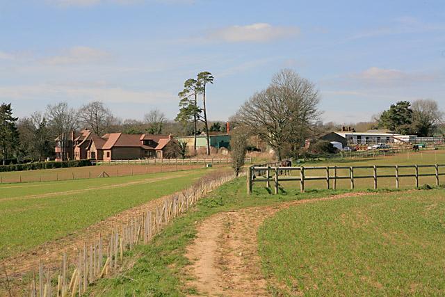 Approaching Whelpley Farm on footpath from Whiteparish