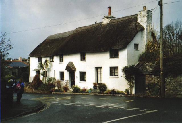 Thatched cottage, Chillington