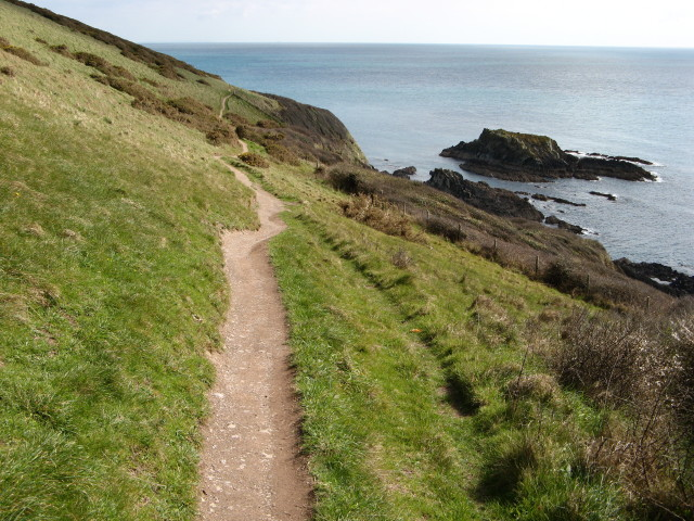 Looe: coast path between Talland and Looe
