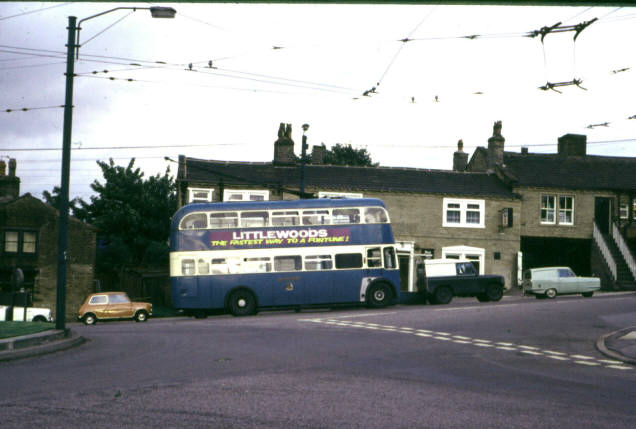 Clayton - Trolley-bus on route 37