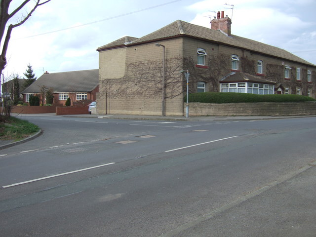 Junction of Ackton Lane and Loscoe Lane
