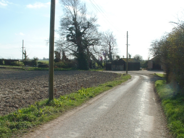 Sharp bend, Rookery Road, Sutton Marsh