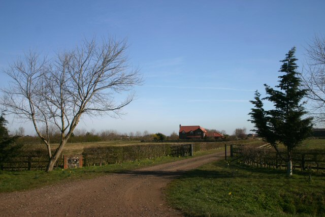 Entrance to Mayfield Farm