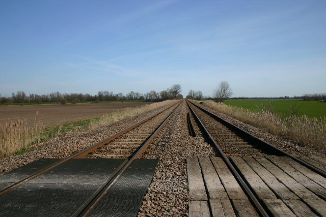 Railway lines and level crossing at Decoy Fen