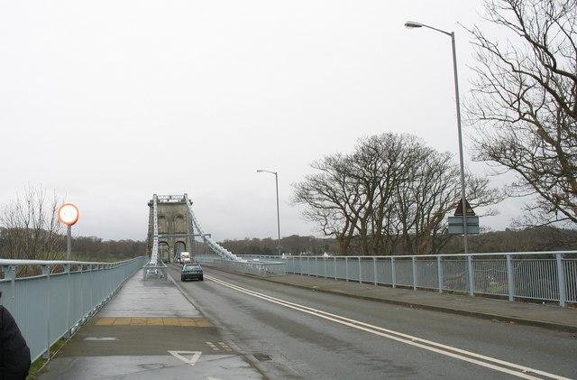 Pont y Borth (Pont Menai) from the Porthaethwy (Menai Bridge) end