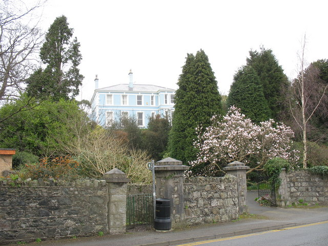 Bryn Llwyd, Ffordd Telford