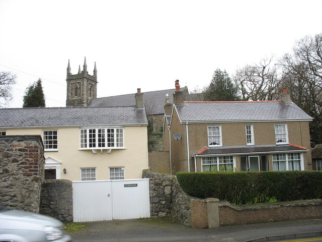 Large detached houses and church in Telford Road