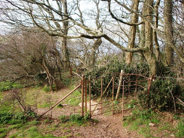 Old Iron Gate, footpath above Greenway House