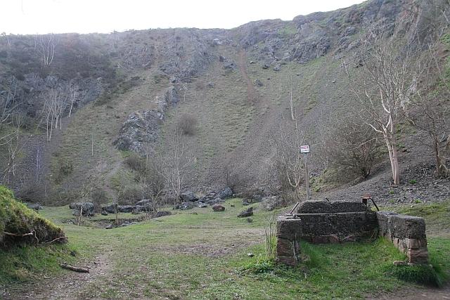Berrington's Quarry, Black Hill
