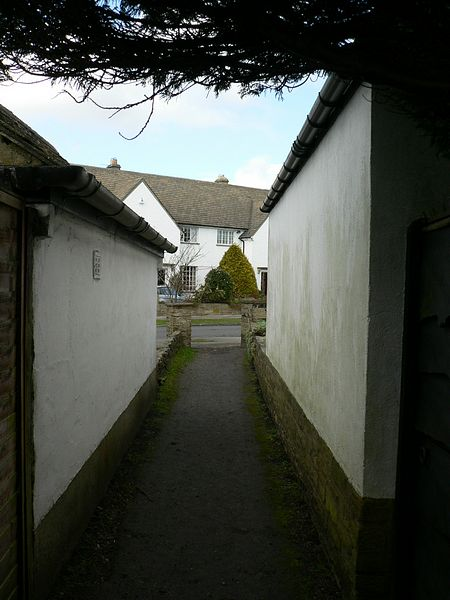 Footpath from Lee Lane West to Southway