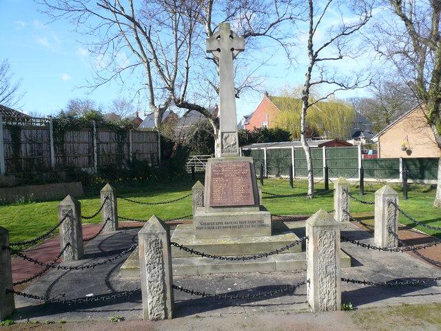 North Wingfield - War Memorial
