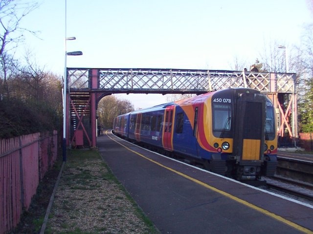 A train calling at Bursledon railway station