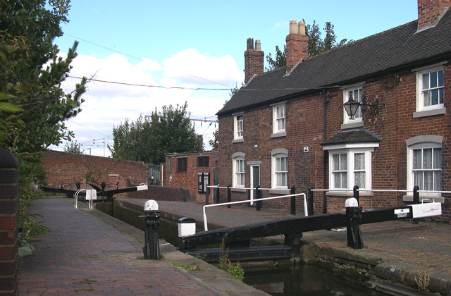 Wolverhampton Top Lock and BCN  Cottages
