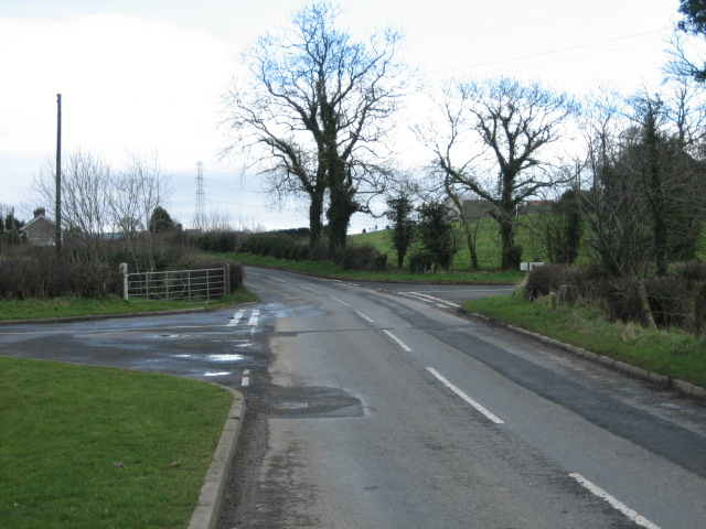 Moorcroft road (left) and Ballynagarrick Road join Mealough Road