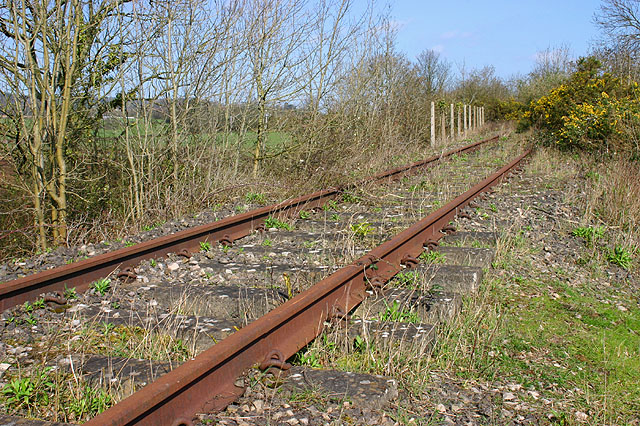 Disused railway at Snipehill