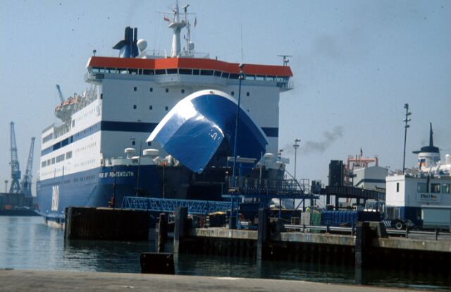 Portsmouth continental ferry port
