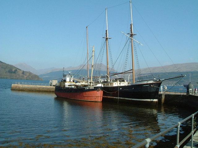 Ships moored at Inveraray Pier