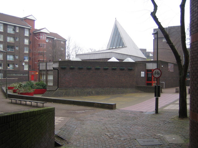 Grahame Park: Community Centre, NW9