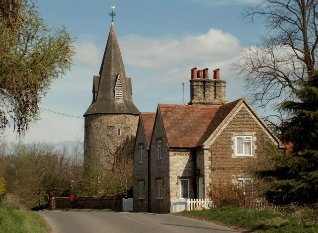 Church Cottage and Great Leighs parish church