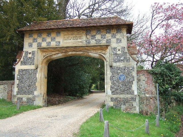Arch Leading to 'Camilla'