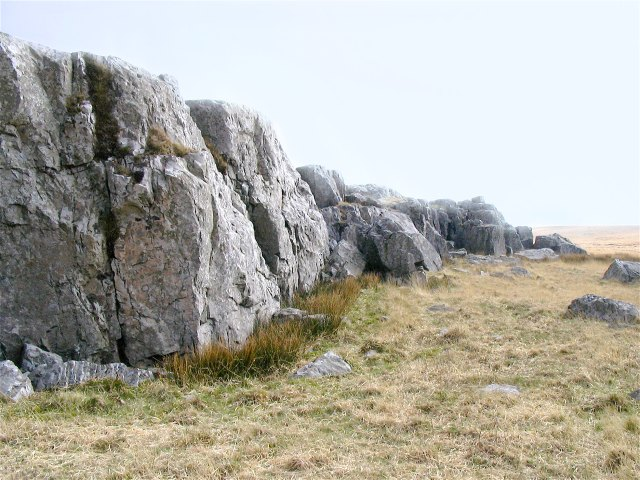 Rock shelf on hill near Bwlch y Ddeuwynt
