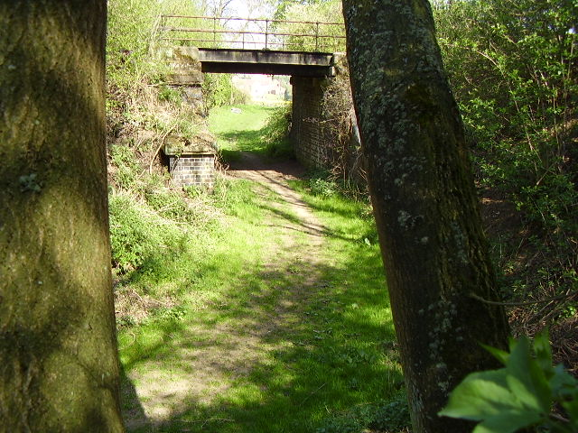 Footpath under disused railway