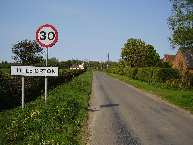 The road entering Little Orton