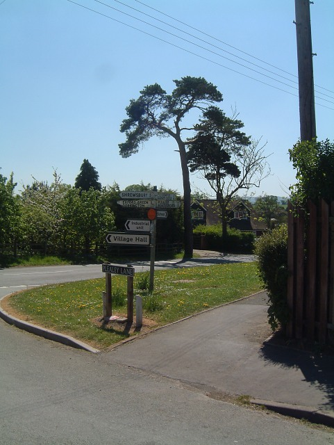 Signpost at Longden (view southwards)