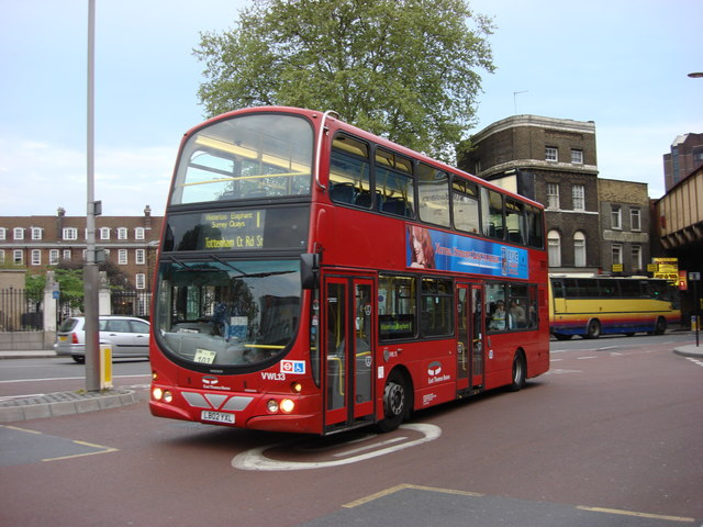 Number 1 Bus At Waterloo Road Bus 169 Oxyman Geograph
