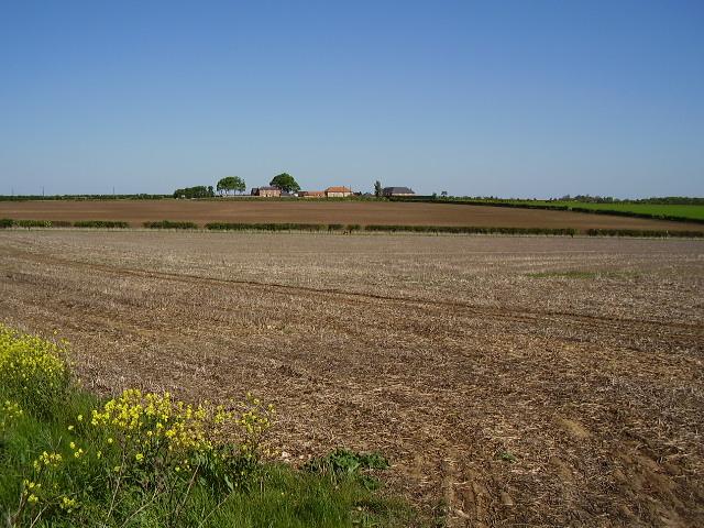 Across the fields to Highfield Farm