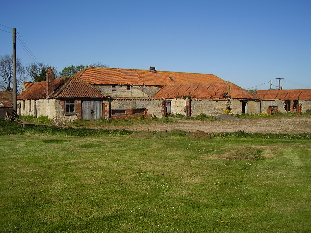 Disused farm buildings at Sheffield House Farm