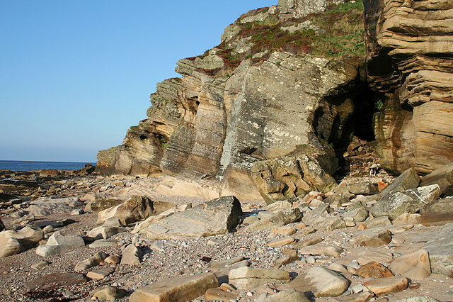 The sandstone cliffs by Covesea.
