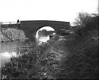 SU0762 : All Cannings Bridge, Kennet and Avon Canal by Dr Neil Clifton
