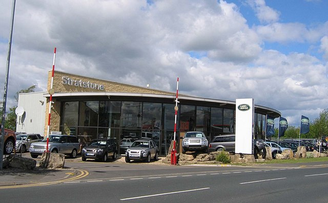 Stratstone Land Rover Dealership © Roger Smith :: Geograph Britain