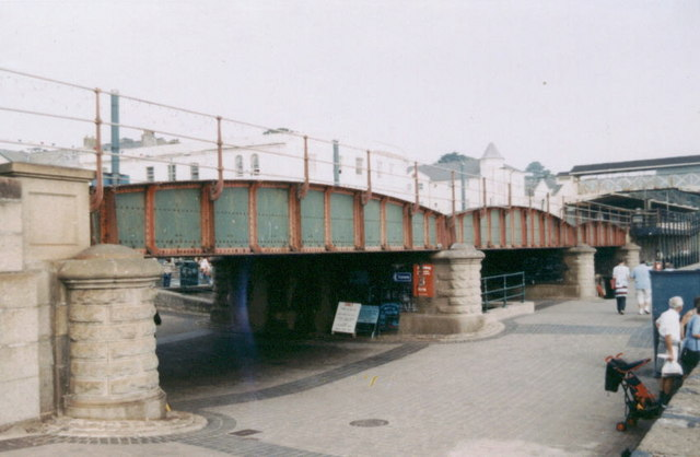 Low bridge at Dawlish Station