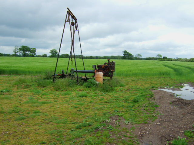 Groundwater irrigation pump