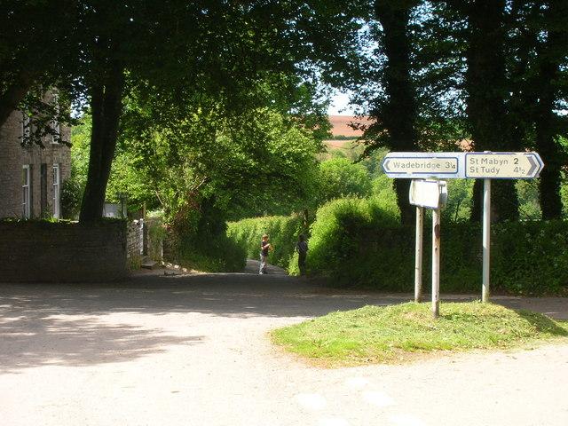 Lane down to Croanford
