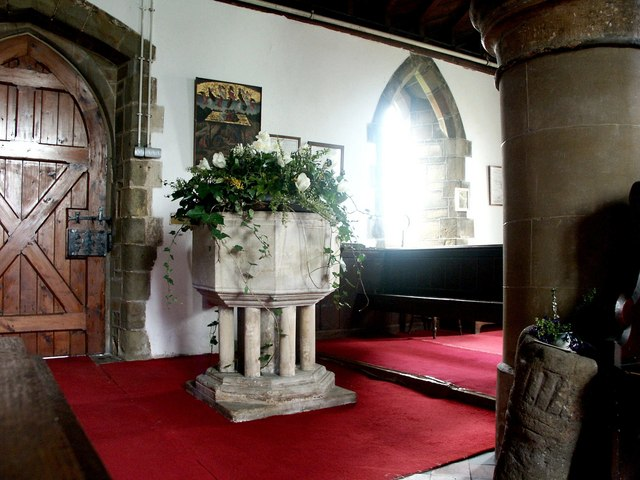 Interior of Holy Trinity, Hagworthingham