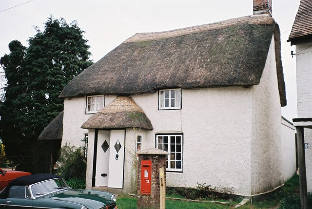 Shitterton: thatched cottage and postbox